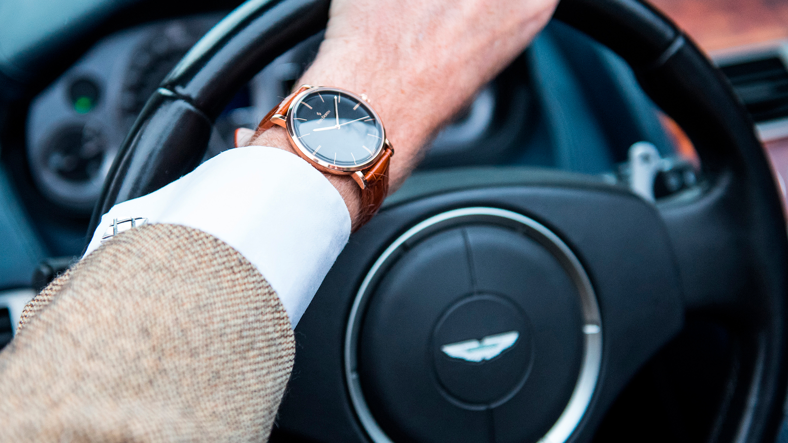 Norways second most funded watch ever, and by far the most elegant. CLICK below to discover.