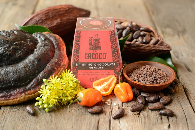 Net Weight 7.11 oz. - Ingredients: Unroasted Cacao*, Coconut Crystal Sugar*, Cacao Butter*, Mucuna Seed*, Himalayan Salt, Rhodiola Root*, Reishi Extract*, Habanero* (*Notes Organic)
