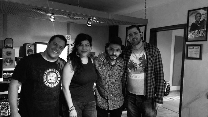 Sesiones de grabación La Ruta de los Peces.  Luis Huerta (dr), Renier Vásquez (keys), Xavier Orozco (bass)
