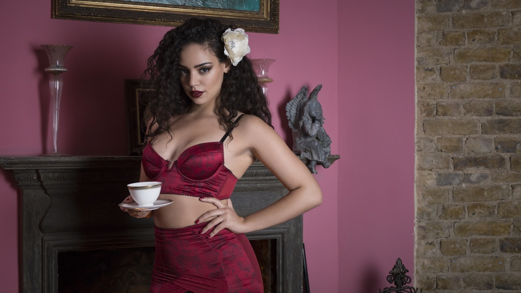 Femme-Fatale Lingerie; sophisticated vintage inspiration! project video thumbnail
