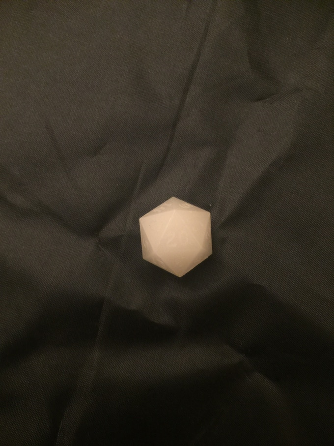 Standard D20 in the new white-dark blue pigment