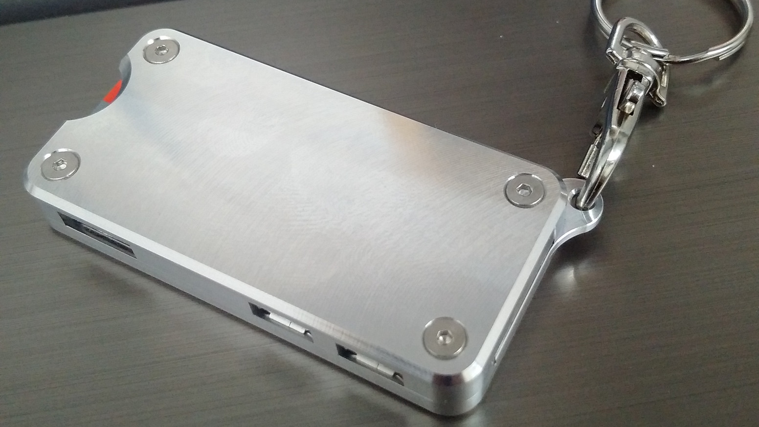 Aluminium case for the Raspberry Pi Zero that you can take around with you on a Keychain