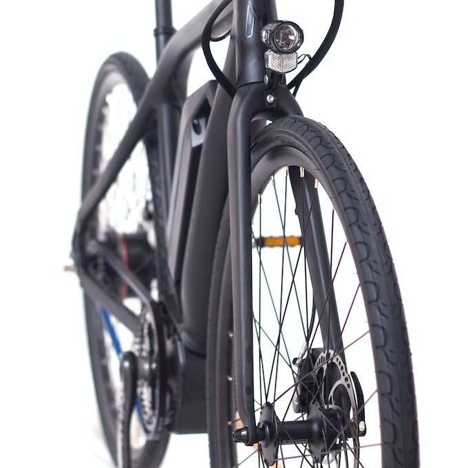 Super lightweight carbon fibre front fork