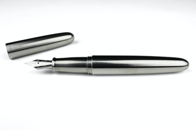 PIUMA - Titanium with polished stainless steel nib