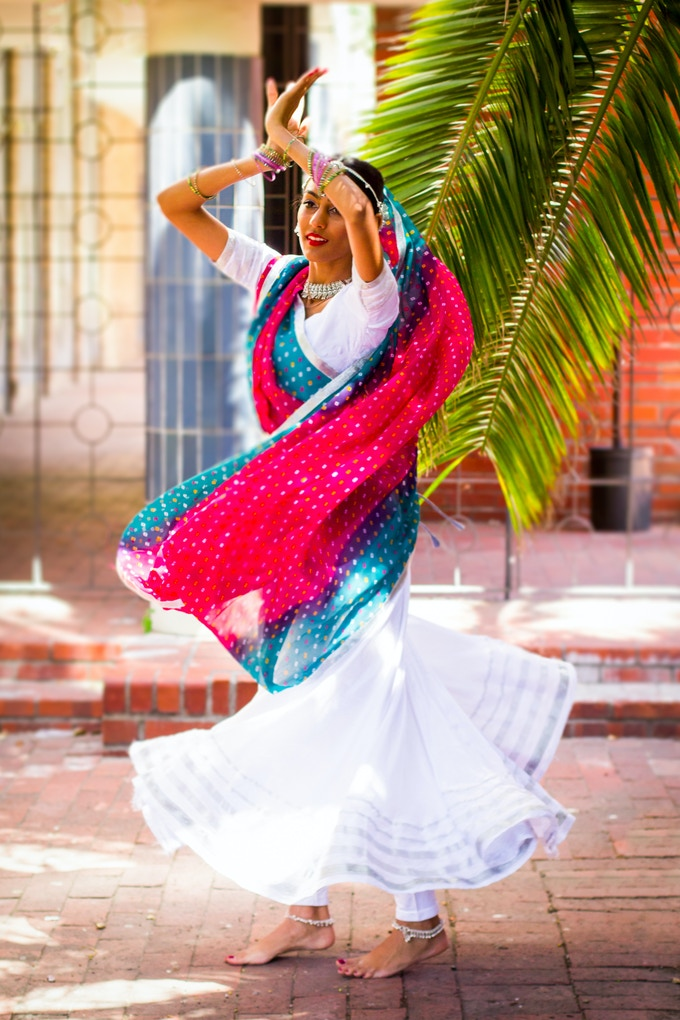 A Taare bollywood dancer twirls with ease...