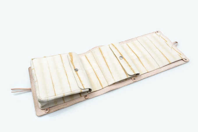 Wash bag (interior) · Cotton canvas dyed with cempasúchil (shibori) / Neceser (interior)   Loneta de algodón teñida con cempasúchil (shibori) [MX$2500]