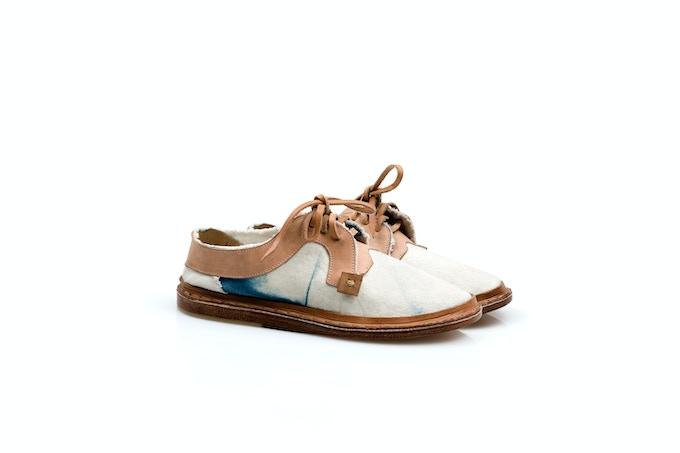 Stitch Lace-up Sneaker · Cotton canvas dyed with indigo (shibori) / Loneta de algodón teñida con añil (shibori) [MX$3000]