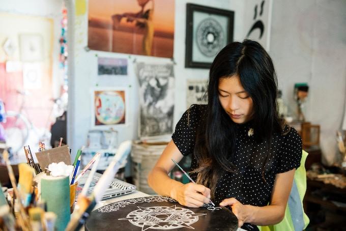 Ouizi in her studio  (photo, ee berger)