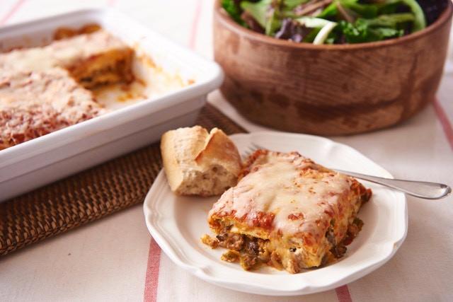 Lasagna dinner serves 6-8