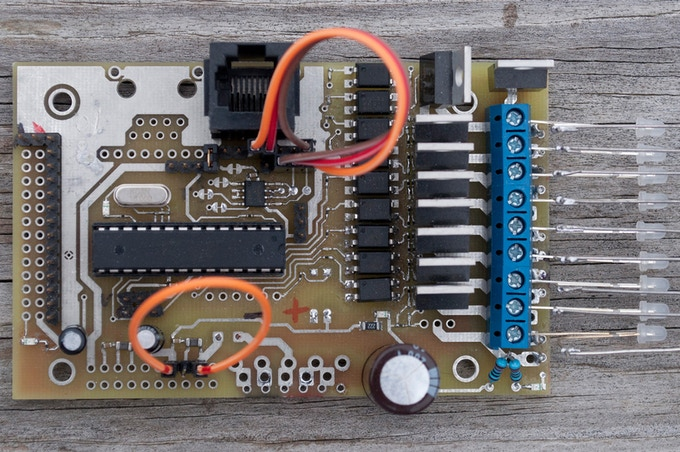 Protean 710, 7 inputs and 10 isolated outputs with classic DIP ATmega328P.