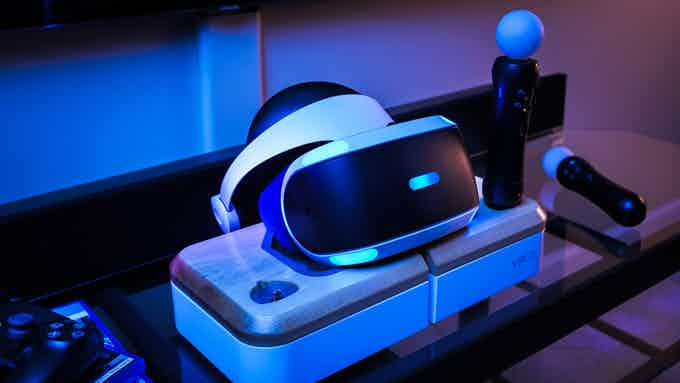 VRGE VR Dock with PSVR headset and accessories