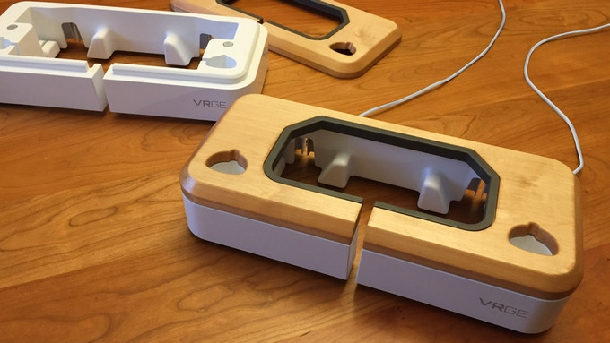 VRGE VR Dock with Maple Wood/Gloss White finish