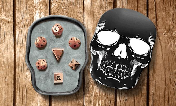 7 Piece Set In Black Skull Box