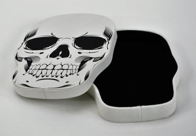 White Skull Box
