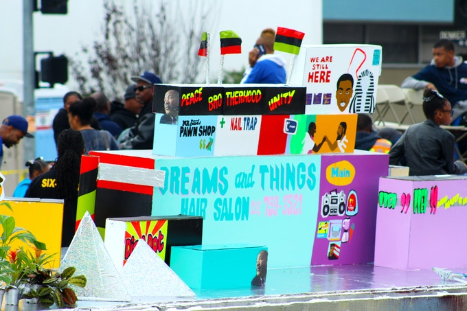2016 kingdom day parade float in los angeles, 8FT x 45FT, King and Crenshaw Blvd. Photo: Papillion Art