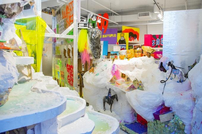 kingdom splurge (2.4.6.14), 2014, 24FT x 40FT, Yale University. Photo: Fumi Ishino