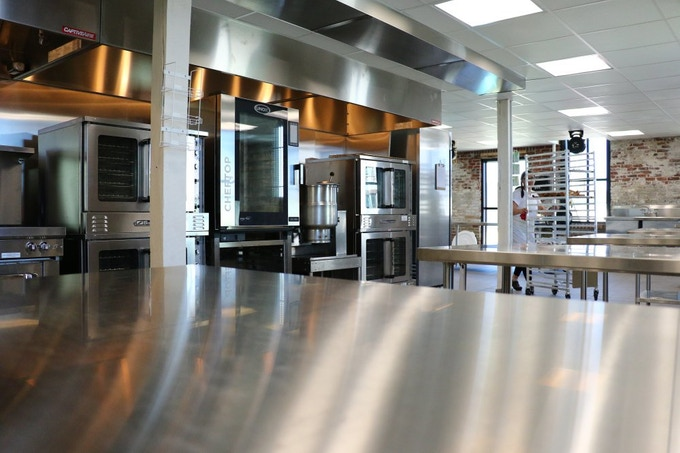 Just think of what you could cook on a stainless steel table this shiny...