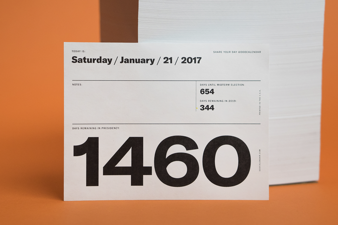 Daily calendar pages are white.