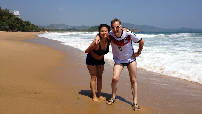 Let's begin with some fashion advise for the DPRK: I am sporting a Schweinsteiger jersey, while my wife Julia looks great in her bikini purchased somewhere in the North Korean countryside!