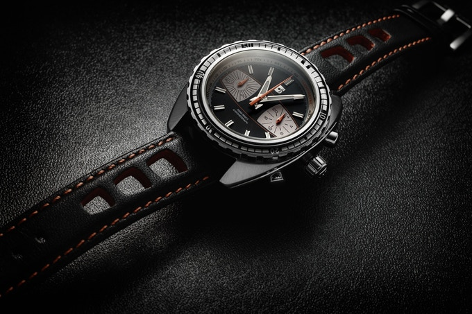 Version B, block minute dive bezel