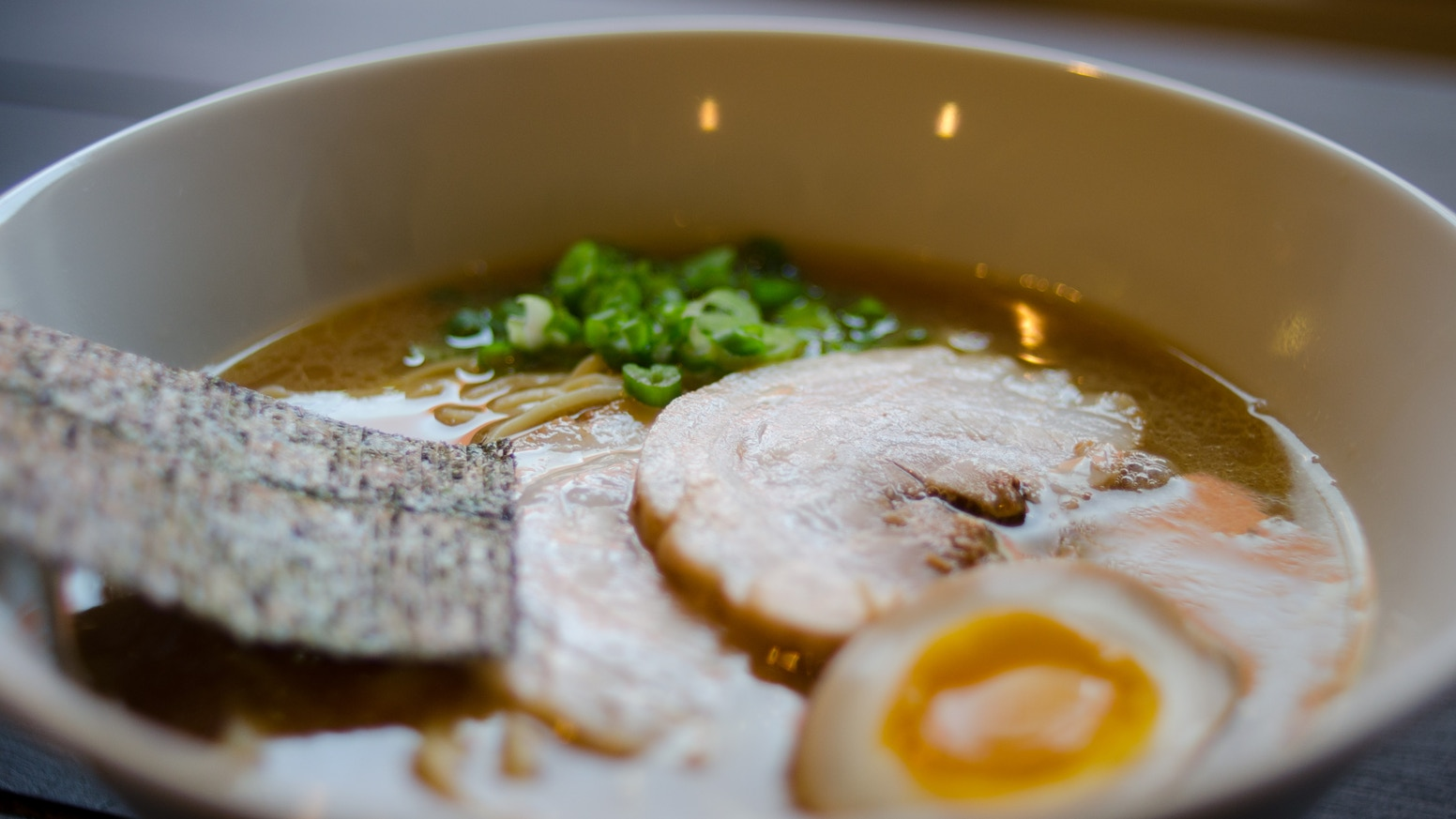 Want authentic ramen but don't have time to visit Japan? Then become a ramen chef yourself with our Ramen Hero meal kit!