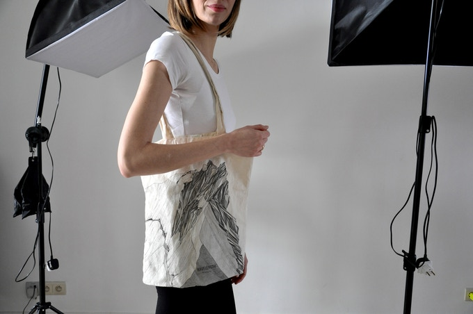 Cotton tote bag /// Made in Italy /// Illustration by Valeria Pigozzi