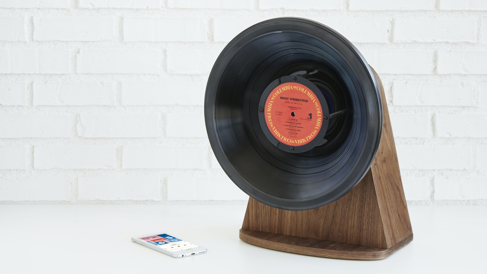 Reclaimed records play music in a whole new way: as a gramophone-inspired, wireless speaker.