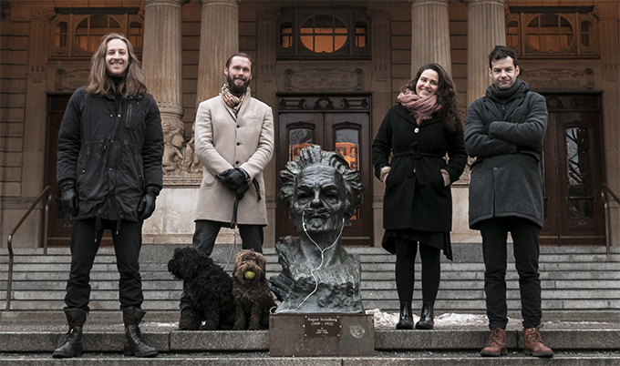 From left to right: Jochen Laveno Mangelsdorff (Creative Director & Co-Founder), Lukas Belsander (CEO & Founder), Roxy (Barkitecht), Choco (Product Fetcher), August Strindberg (Senior Influencer), Ela Battal (Copywriter), João Correia (Communications).