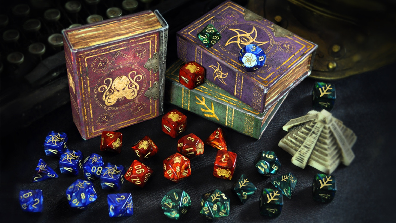 Lovecraftian designs consist of: The Great Cthulhu, Star Elder Sign and Lovecraft Elder Sign. Also includes magnetized spell book boxes