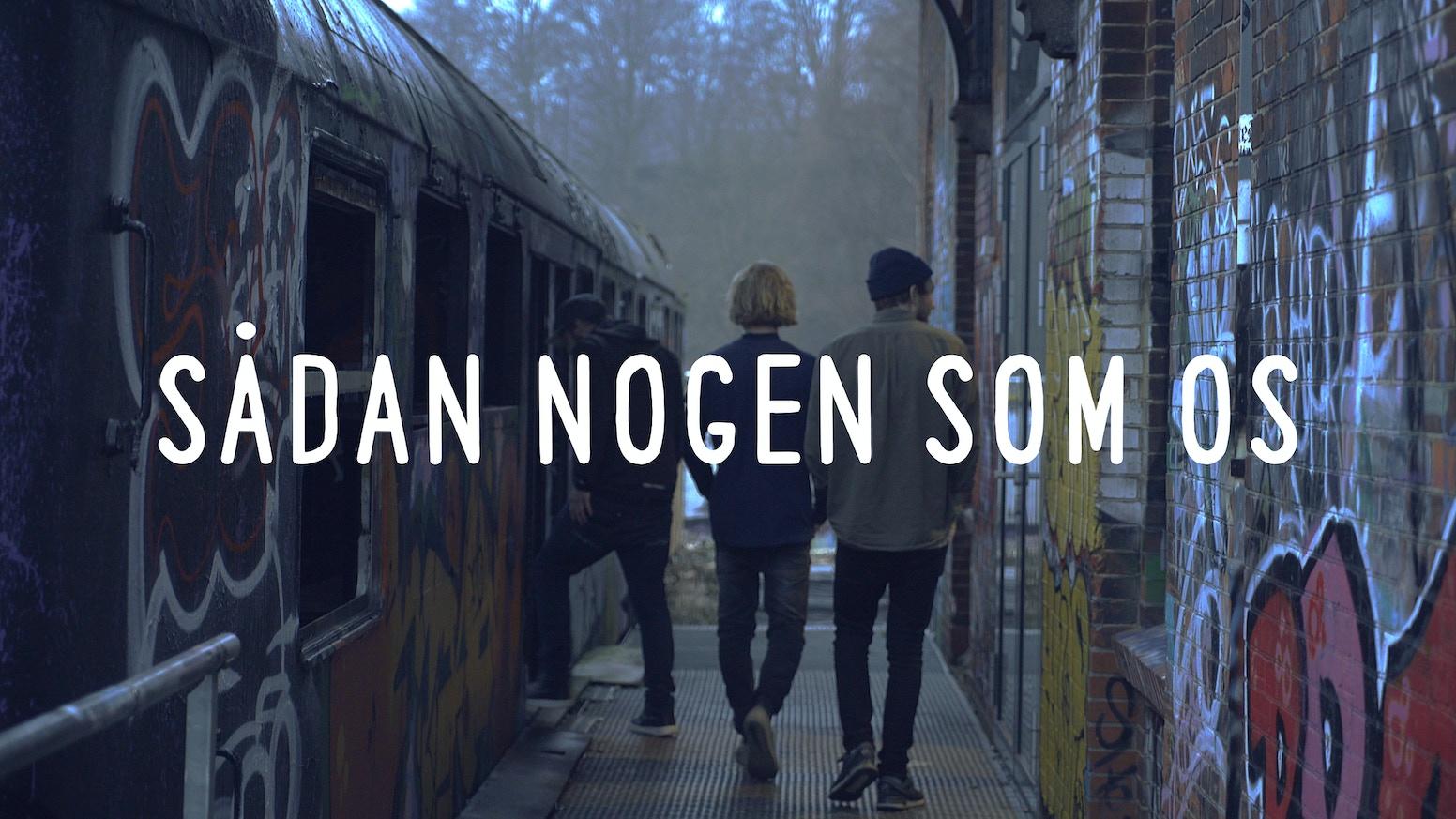 Tre drenge kører 30.000 km for, med et kamera i hånden, at undersøge ungdomskultur udenfor Danmarks grænser.