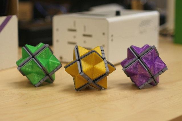 Multi-Color Fidget Star (http://www.thingiverse.com/thing:2057912), remixed from the original Fidget Star by mathgrrl (http://www.thingiverse.com/thing:929504).