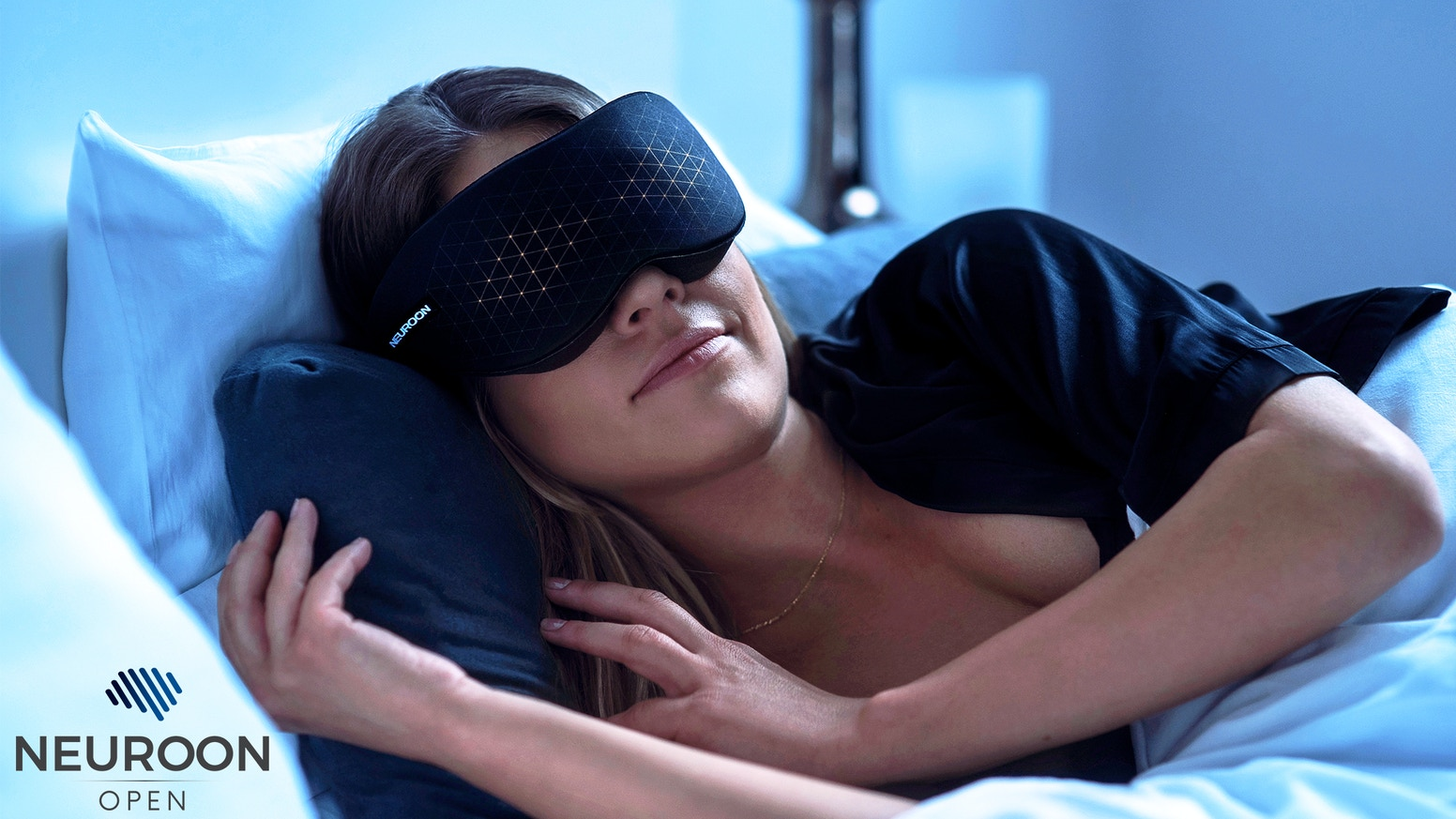 Neuroon Open is a wearable that wakes you up feeling energized, improves your sleep and helps you to experience lucid dreams