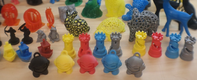 Test prints with different types of resins
