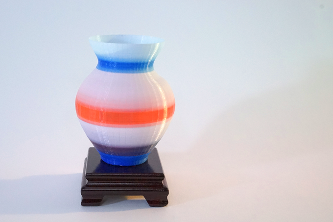 Vase Print at 100 micron with Gradient Color Change