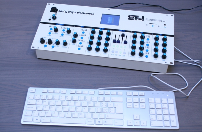 Part monster synthesizer, part computer: The ST4 is a unique product, loaded with features, that combines the best of both worlds.