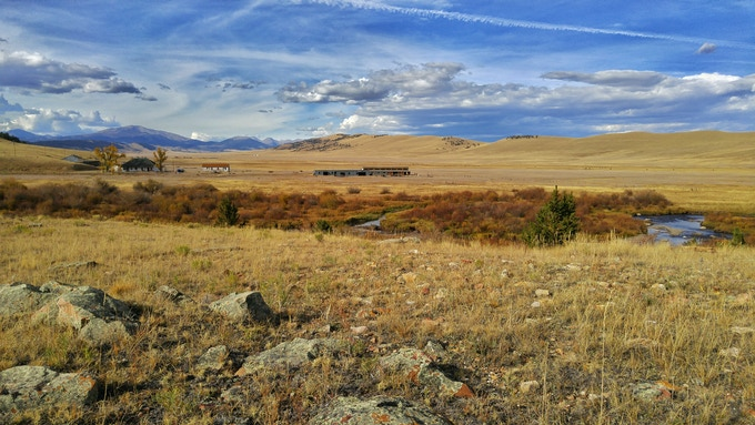 Buffalo Peaks Ranch: The rural outpost of the Rocky Mountain Land Library. The Middle Fork of the South Platte River winds through the foreground. Photo by Carl Young