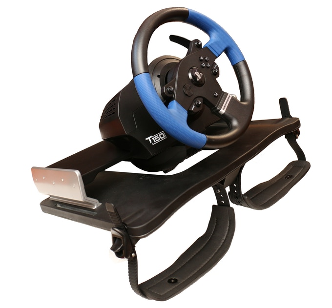 Compatible with Thrustmaster range of steering wheels and gear sticks