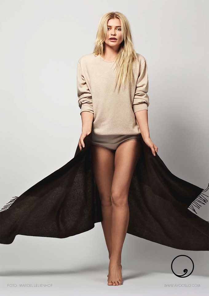 Model is wearing unisex sweater Platan in cashmere and can be yours @wholesale price!