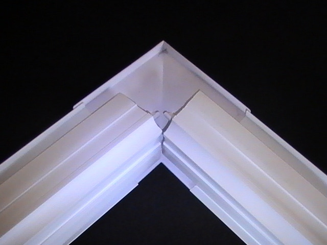 Underside 90 External Mitre and Cornice