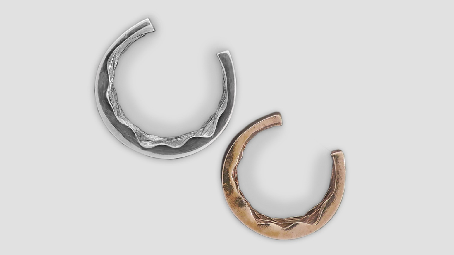 Liud is a textural memory, a ring from inside. Shy but Sensual. A touch you share with your love. Evoking senses beyond the visuals.