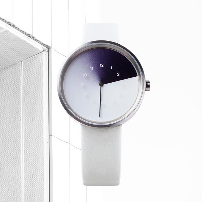 White watch + snow straps