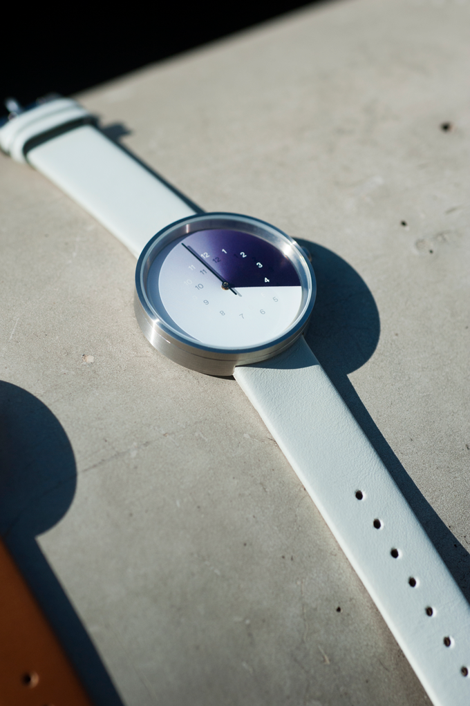 The powerful watch is thin and lightweight