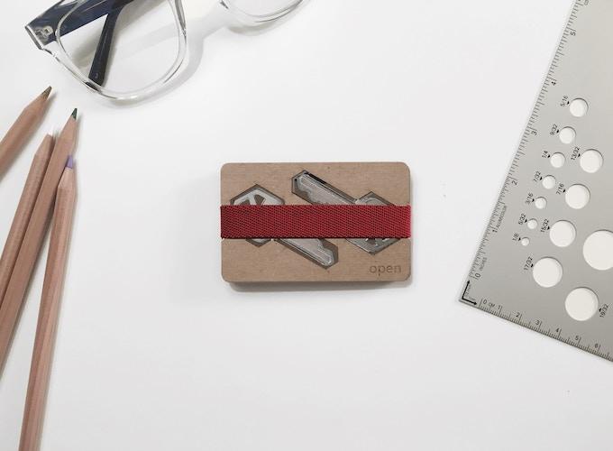 Configuration B: Keys plate on one side