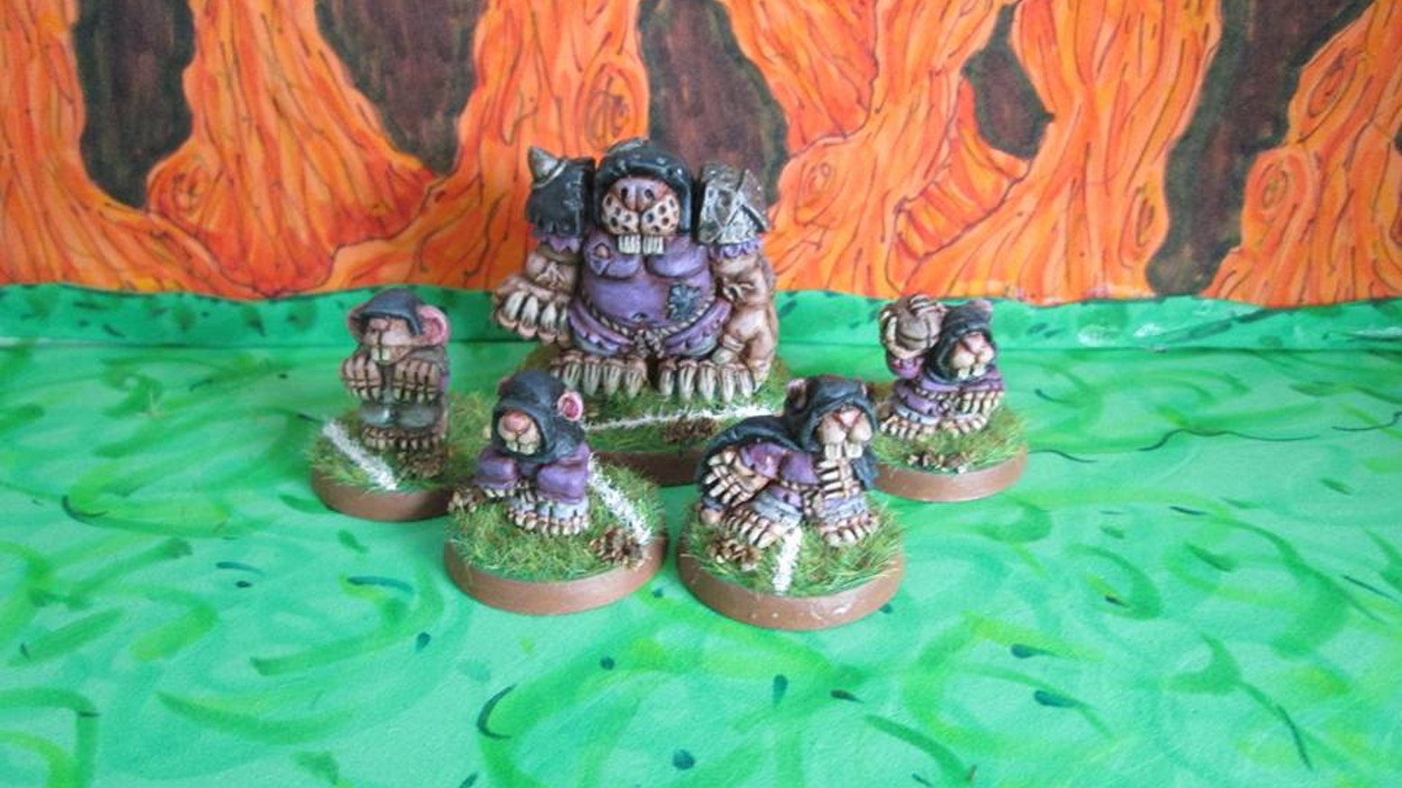 A bunch of 28mm scale rat people for using in miniature wargames.
