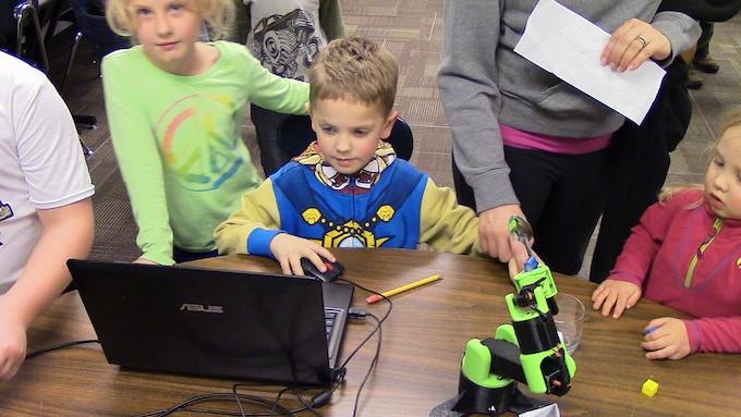 Elementary Students Testing a Littlearm Big
