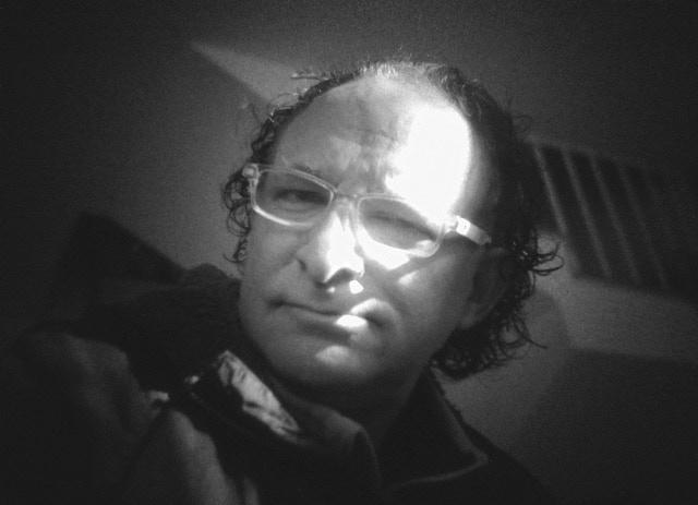 Self-timer photo with Minolta Dynax 7000 50mm f4 + I'm Back™