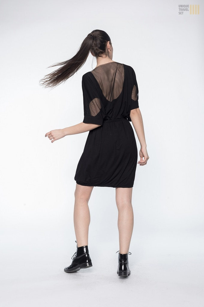 Breathable mesh on the back of the dress.