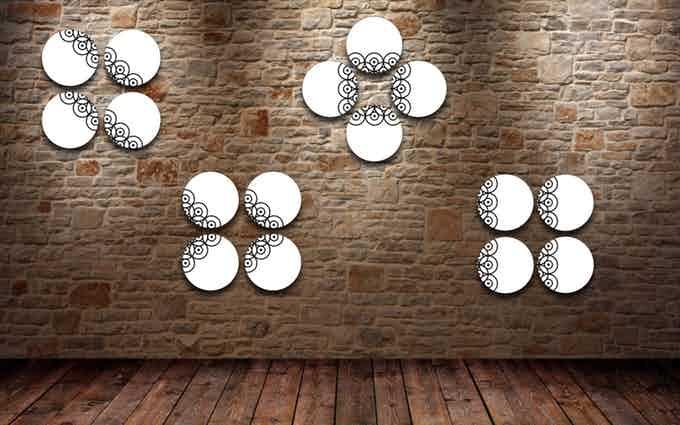 Esempio #2 di decorazione della parete con 4 piatti Pit-Pop