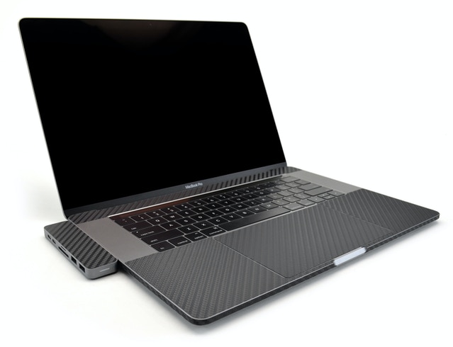 MacBook + HyperDrive with iCarbons skin (many colors/textures available)