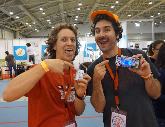 Ross Atkin (thecraftyrobot.net) checking out a MAKERbuino